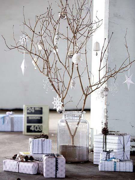 Новогоднее украшение дома: нарядные веточки1