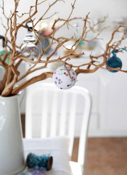 Новогоднее украшение дома: нарядные веточки2