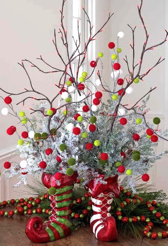 Новогоднее украшение дома: нарядные веточки0