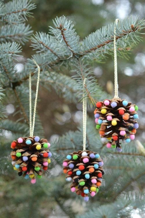 Новогодние украшения из шишек своими руками6