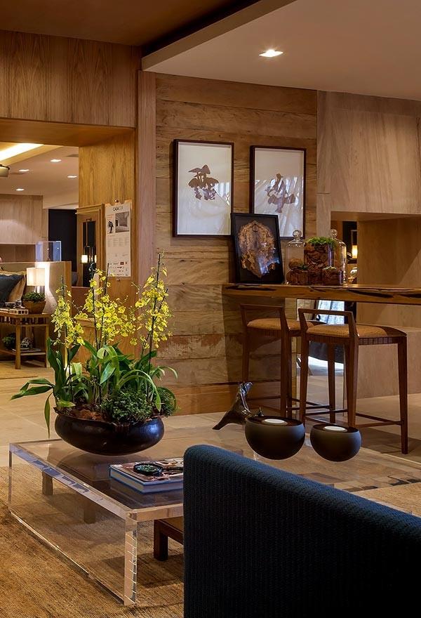 Обилие натурального дерева в интерьере дома (работа дизайн студии negrelli e teixeira)3