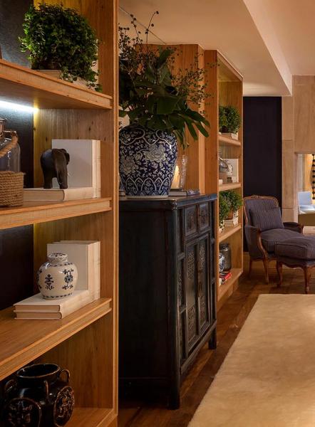 Обилие натурального дерева в интерьере дома (работа дизайн студии negrelli e teixeira)8