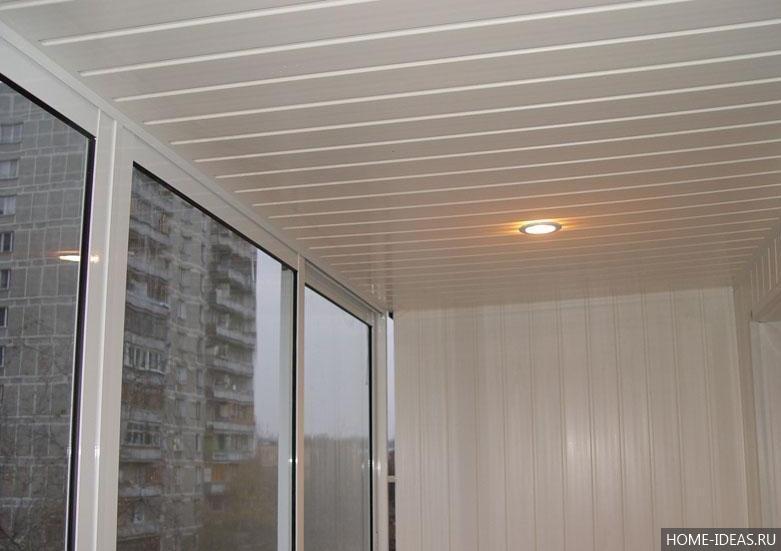 Панели для потолка в комнате: дешево и красиво5
