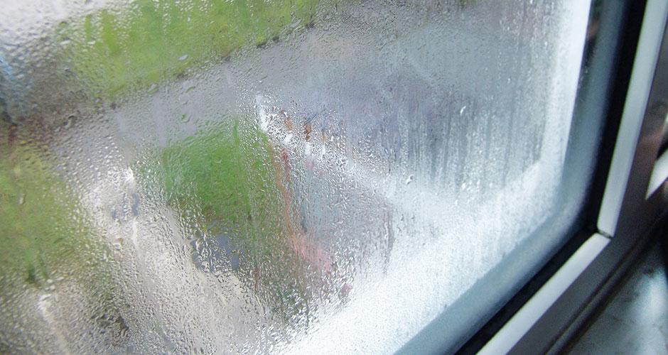 Почему потеют пластиковые окна в доме и как этого избежать?6