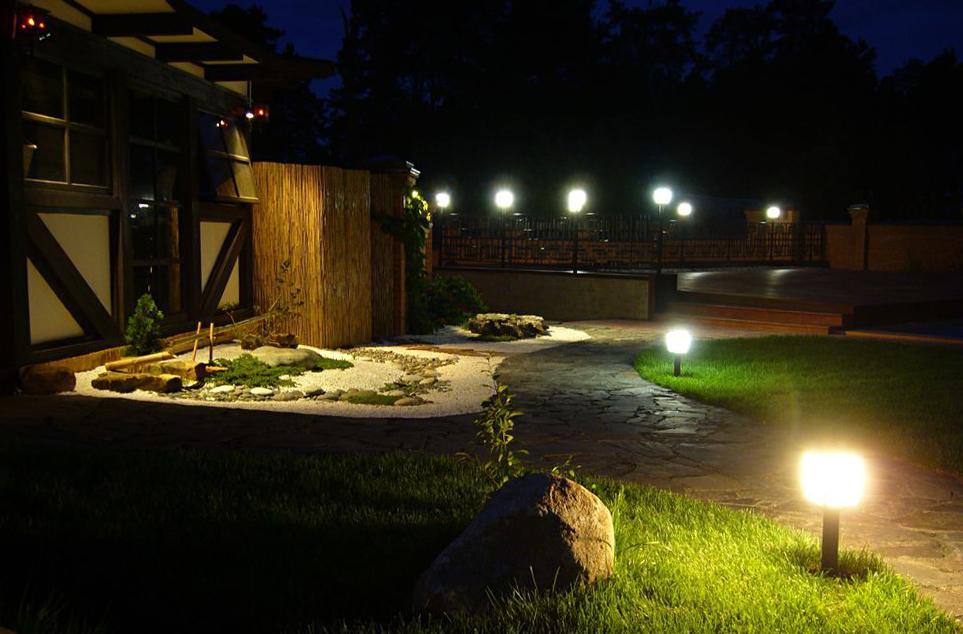 Подсветка садовых дорожек своими руками0