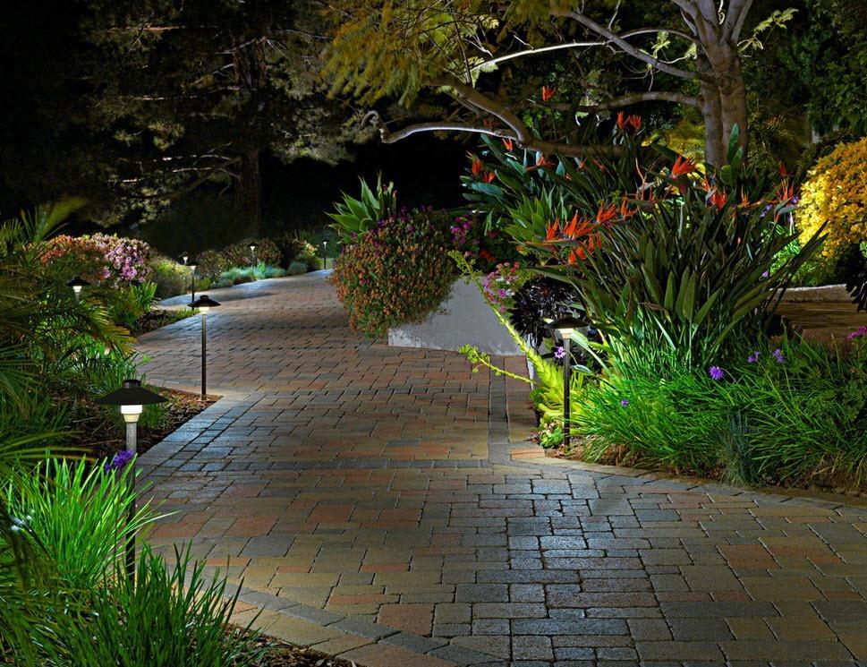 Подсветка садовых дорожек своими руками3