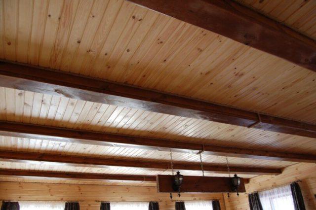 Потолок из вагонки – достойный симбиоз цены и качества1