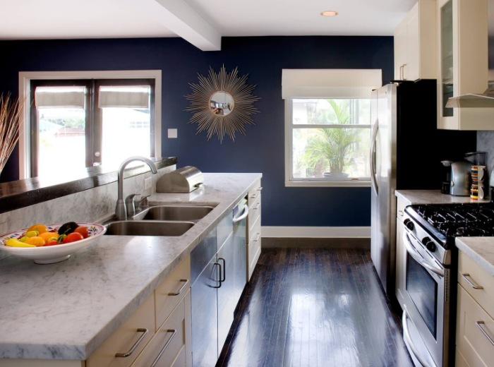 Практика применения обоев под покраску на кухне0