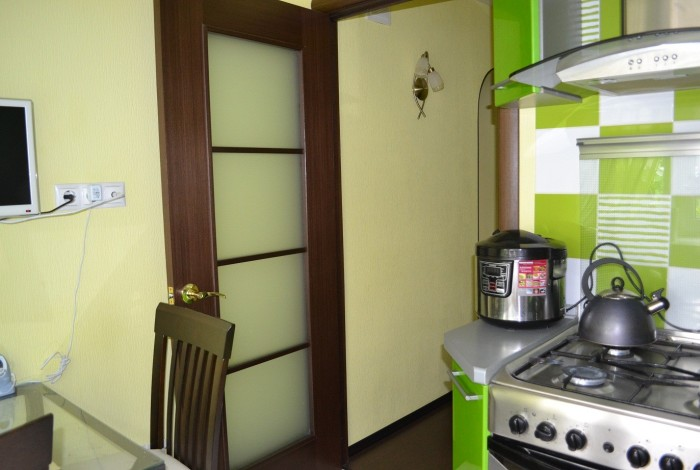 Практика применения обоев под покраску на кухне2