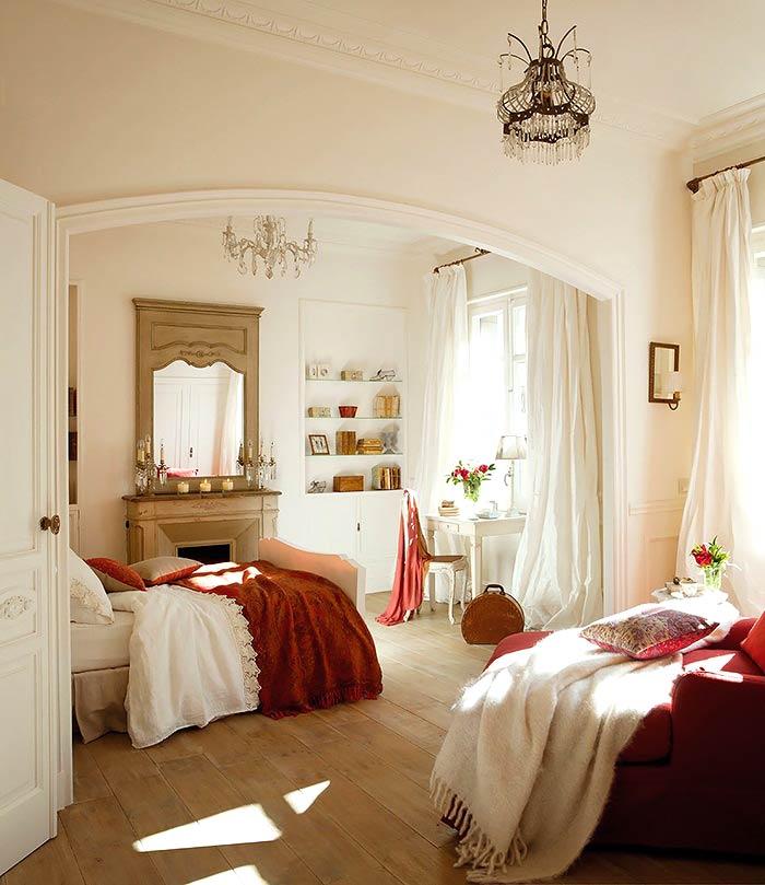 Романтическая нежность в оформлении спальни с ванной комнатой0