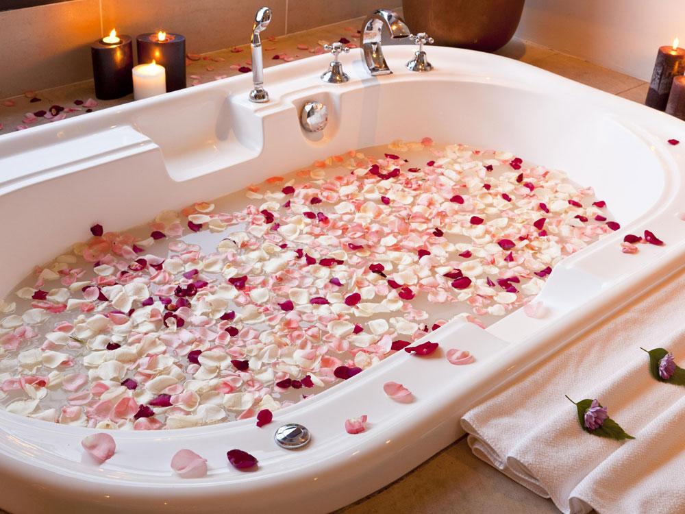 Ванна с розами – удовольствие для тела и души0