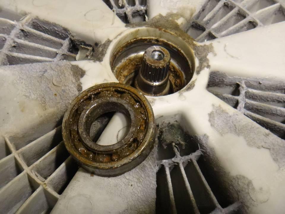 Замена подшипника в стиральной машине своими руками6