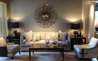 Как своими руками декорировать стену в гостиной комнате?