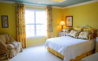 Желтые обои для спальни