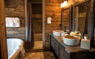 Ванная комната, отделанная деревом