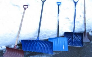 Как выбрать лопату для уборки снега?