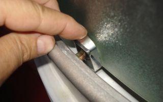Как починить дверцы душевой кабины?