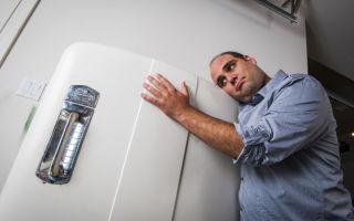 Почему громко работает холодильник