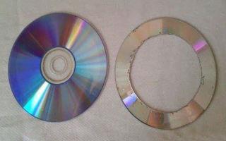 Как я сделала штору из старых дисков: мастер-класс
