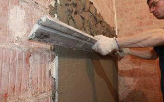 Как и чем выровнять стены в ванной под плитку