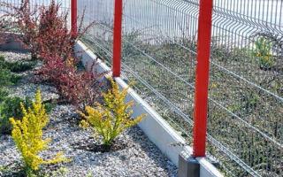 Готовый забор из магазина: преимущества металлических секционных ограждений