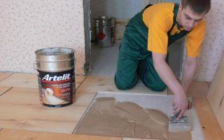 Клей для фанеры на стяжку: чем приклеить на бетонный пол