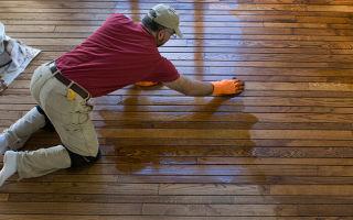 Как произвести окраску деревянных полов?