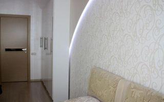 Обои с вензелями и их использование в интерьере различных комнат