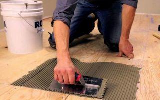 Плитка на пол в деревянном доме: как приклеить на стену дерево, плиточный клей, технология и как уложить