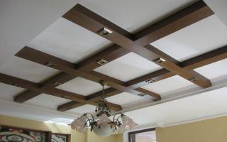 Как самостоятельно сделать потолок с балками