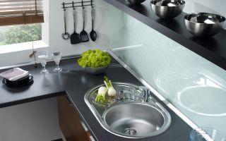 Выбираем кухонную мойку: нержавейка или гранит?