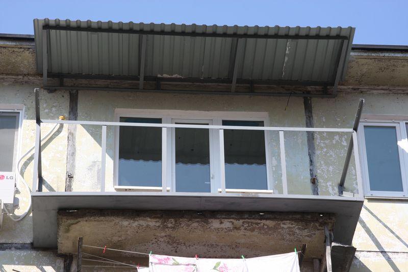 фото балконов на последнем этаже линолеум материал довольно